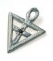 Pingente Triângulo Rosacruz em prata com rubi